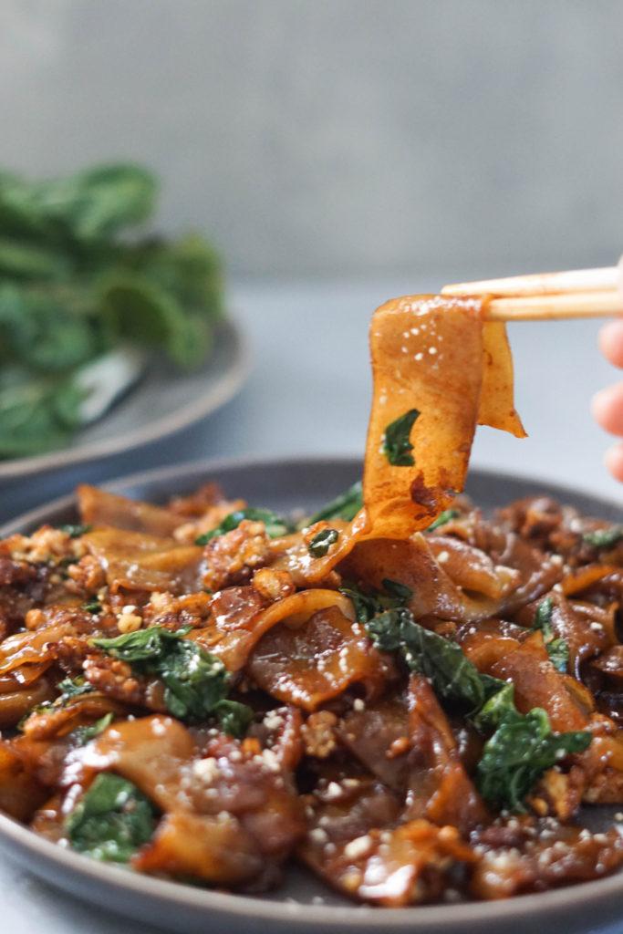 Thai Pad see ew noodles stir fry with tofu