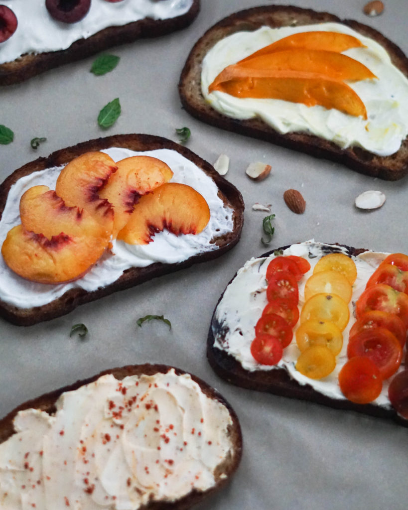 Breakfast toast with fruit and toppings