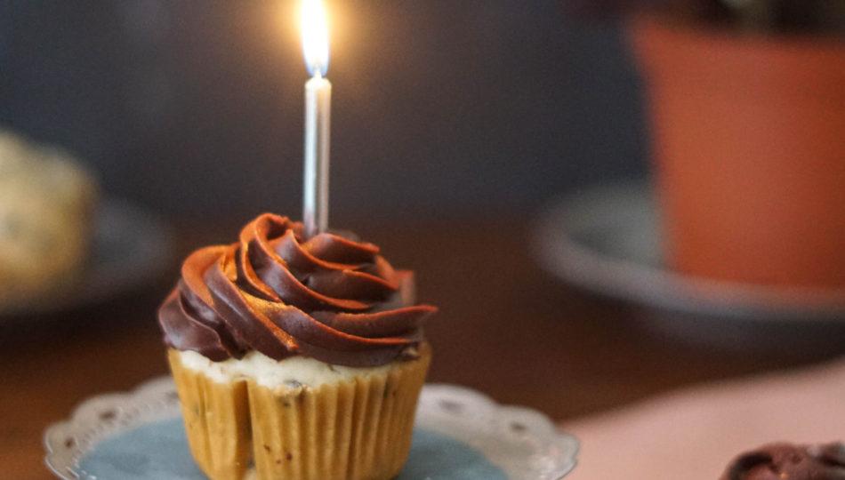 eggless vanilla cupcake