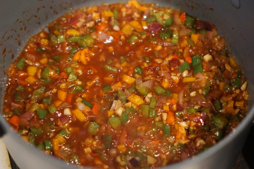 sauteed vegetables with hot sauce mixture