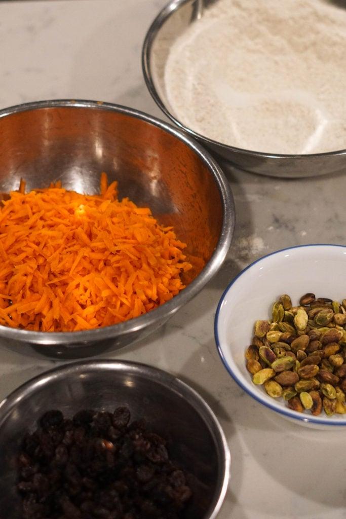 gajar ka halwa cake ingredients in bowls